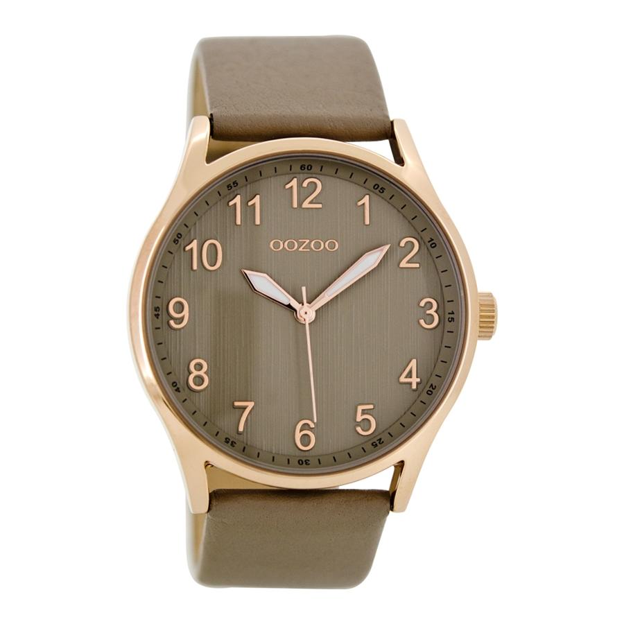 Artikel klicken und genauer betrachten! - Die OOZOO Timepieces Taupe Uhr C8642ist eine trendy und modische Analog Damen uhr. Das armband ist aus Leder in de Farbe Braun. Die Damen uhr hat ein Quartz-Uhrwerk miet einem Ziffernblatt in der Farbe Braun. Das Gehäuse ist Edelstahl und hat einen durchmesser von 41 mm mit Farbe Roségold.   im Online Shop kaufen