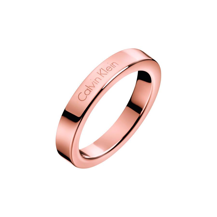 Artikel klicken und genauer betrachten! - Calvin Klein Hook Extension Ring KJ06PR10010 (Ring-Größe: 17.5): trendy und modische, Damen Ring passt zu jeder Gelegenheit! Wir sind offizieller Händler von Calvin Klein Schmuck. Wie bei einem Juwelier bekomst du bei uns exzellenten Service. In unserem online Schmuckladen hast du zodem die Möglichkeit deinen neuen Ring, in aller Ruhe auszussuchen und - falls er nicht passt - umzutauschen. Online Schmuck kaufen war noch nie so einfach.   im Online Shop kaufen